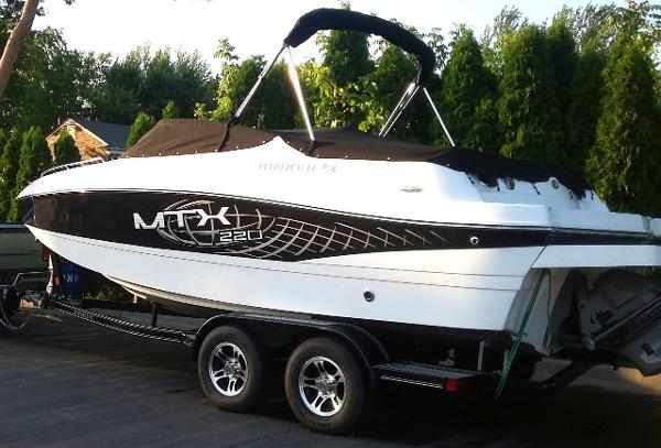 2016 Rinker 220 Captiva Cuddy