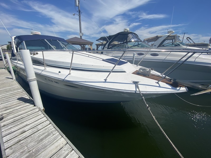 34 Sea Ray 340 Express 1989